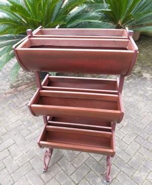 Horta Vertical 11 com Rodízio e 6 Jardineiras - Cor Chocolate